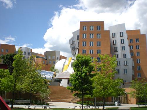 フランク・ゲーリーによるスタタセンター(MIT)