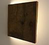 Emanuel Garganoによる『Eremo』。壁に向けて閉じると照明も消える。