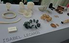 VENTURA LAMBRATE のLOCATION 18 に展示していたIsabel Lacarosがデザインした繊細なアクセサリーやオブジェ。
