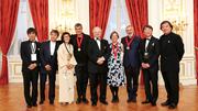 授賞式典で過去の受賞者たち